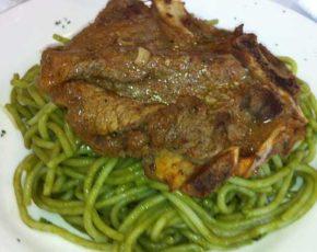 Receta de tallarin verde con bistec
